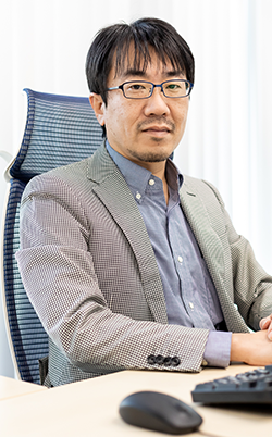 Naoya Iwanaga, Executive Officer/EC Solution Service General Manager of EC Solution Division